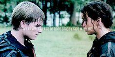 Peeta / Katniss Gif --peeta-Mellark e-katniss-Everdeen Art fÃ