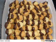 Čajové stříkané - cukroví Cereal, Breakfast, Food, Morning Coffee, Essen, Meals, Yemek, Breakfast Cereal, Corn Flakes