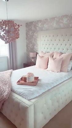 Pink Bedroom Decor, Bedroom Decor For Teen Girls, Cute Bedroom Ideas, Room Design Bedroom, Bedroom Furniture Design, Girl Bedroom Designs, Room Ideas Bedroom, Home Room Design, Bedroom Decor With Wallpaper