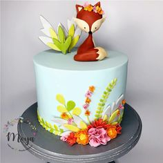 Fox cake by Branka Vukcevic Fox Cake, Woodland Cake, Fondant Animals, Animal Cakes, Cake Tutorial, Cute Cakes, Creative Cakes, Celebration Cakes, Cake Art