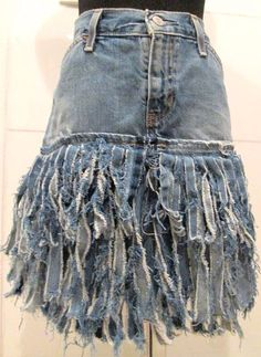 Länger mit Abrieb an den Knien direkt über den Knien, . Longer with abrasion on the knees directly above the knees, ideas clothes Jeans Refashion, Diy Jeans, Jeans Denim, Clothes Refashion, Hijab Jeans, Fall Jeans, Summer Jeans, Outfit Jeans, Casual Jeans