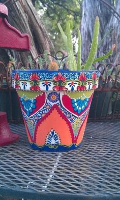 mosaic look painted planter pot #gardening #painting #DIY #planter