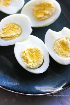 This post is about how to cook perfect hard boiled eggs in the air fryer. Its very easy and everybody can make it , even a beginner. Easy to peel, perfect every time hard boiled eggs for breakfast or salad ! Air Fryer Oven Recipes, Air Frier Recipes, Air Fryer Dinner Recipes, Hard Boiled Egg Recipes, Cooking Hard Boiled Eggs, Ww Recipes, Cooking Recipes, Cooks Air Fryer, Perfect Hard Boiled Eggs