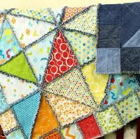 Half Square Triangle Rag Quilt - via @Craftsy