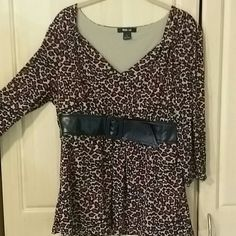 Style & Co Top Leopard Print Top...with faux belt; V-neck  Excellent condition...no stains or snags  Approximately 26 inches in length  Sleeves are approximately 18 inches long  Bust is approximately 36 inches N Style & Co Tops Blouses