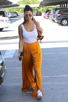 #KourtneyKardashian, #LosAngeles Kourtney Kardashian - Shops at Target in Los Angeles 08/26/2017 | Celebrity Uncensored! Read more: http://celxxx.com/2017/08/kourtney-kardashian-shops-at-target-in-los-angeles-08262017/