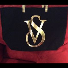 FLASH SALE - 2 HRS Victoria's Secret huge VS tote Victoria's Secret huge and elegant Black and Gold VS tote. Victoria's Secret Bags Totes