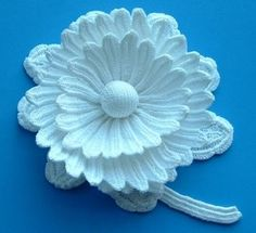 Irish Crochet Flower -- one of these days I'm going to need to up my game and start doing fine crochet work like this...!!