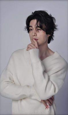 Lee Dong Wook, Korean People, Korean Men, Asian Actors, Korean Actors, Actor Photo, Male Poses, King Kong, Most Beautiful Man