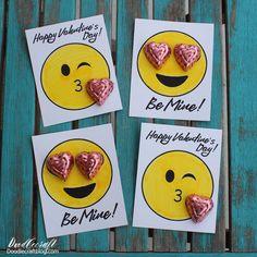 Emoji Valentine's with Free Printable! Emoji Valentine's with Free Printable! Homemade Valentines Day Cards, Kinder Valentines, Valentine Gifts For Kids, Valentines Gifts For Boyfriend, Valentine Day Crafts, Happy Valentines Day, Gift Boyfriend, Boyfriend Coupons, Diy Valentine's Gifts For Kids