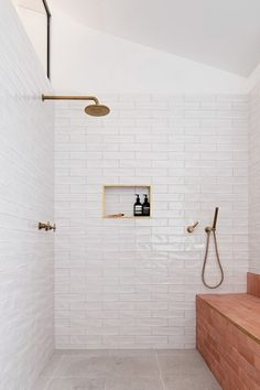 Home Interior Lighting TRIAS Architects raises Three Piece House on a red brick base.Home Interior Lighting TRIAS Architects raises Three Piece House on a red brick base Beautiful Bathrooms, Modern Bathroom, Small Bathroom, Italian Bathroom, Bathroom Bin, Shared Bathroom, Bathroom Showers, Glass Bathroom, White Bathroom