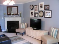 Like that there is something to distract from the TV, but to me the grouping is too heavy/clunky and says nothing. Home Design Decor, House Design, Interior Design, Home Decor, Living Room Designs, Living Spaces, Sister Home, Above Couch, Transitional Living Rooms