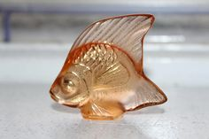 Lalique Crystal Angel Fish Paperweight Champagne w/ Gold Angel Fish, Etsy Vintage, I Shop, Champagne, Lion Sculpture, Crystals, Antiques, Gold, Antiquities