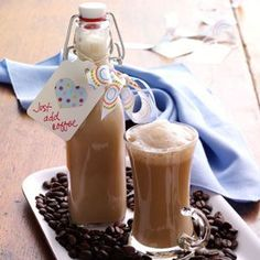 Homemade Irish Cream Recipe (alcohol-free version) from Taste of Home -- shared by Marcia Severson, Hallock, Minnesota christmas drink recipes Fun Drinks, Yummy Drinks, Yummy Food, Beverages, Holiday Drinks, Sangria, Homemade Irish Cream, Thanksgiving, Irish Recipes