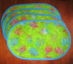 Handmade Quilted Oval Placemats, Bright, Colorful Sea Turtle Batik Fabric.  Set of 4 by YoyosAndMoreByJill on Etsy