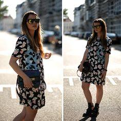 Marc By Marc Jacobs Dress, Balenciaga Buckle Cut Out Boots, Proenza Schouler Bag, Mirror Sunglasses