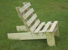 chaise de jardin à partir d'une palette