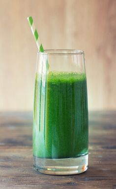 No matter your fitness goals, protein smoothies can be one of the best options to support a healthy lifestyle. Here are my top 5 recipes for protein smoothies. Protein Smoothies, Smoothie Legume, Smoothie Proteine, Kale Smoothie Recipes, Green Juice Recipes, Good Smoothies, Breakfast Smoothies, Workout Smoothie, Superfood Recipes