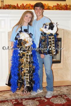 Matching mum and garter with chevron blue highlights for Klein Oak.