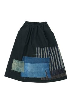 佐々木印:アンティークリネンと古布を掛け合わせたスカートリメイク:フランスのアンティークリネンを染め、スカートに作り直し、日本の古布を使って当て布刺し子を施しました。特徴:ポケットが二つあります。ウエ…