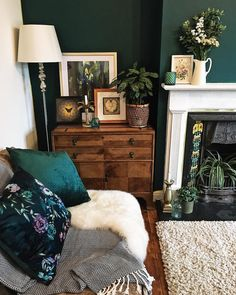 How To Use Dark Green in Your Living Room — Melanie Jade Design One. - How To Use Dark Green in Your Living Room — Melanie Jade Design One of my first pictur - Dark Living Rooms, Living Room Green, Room Interior, Living Room Wall, Green Walls Living Room, Dark Green Living Room, Gold Living Room, Cosy Living Room, Victorian Living Room