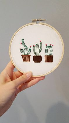 Cactus Embroidery DIY Kit - Hand Embroidery Kit - Hoop Art Kit Want to try hand embroidery but dont know where to start? Then this kit is for you! This sweet embroidery kit of three cacti is the perfect DIY kit for the beginner or advanced stitcher alike. Cactus Embroidery, Simple Embroidery, Embroidery Hoop Art, Hand Embroidery Patterns, Embroidery Stitches, Machine Embroidery, Embroidered Cactus, Broderie Simple, Diy Broderie