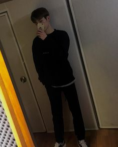 "14k Likes, 297 Comments - 김진홍 JINHONG (@24k_hong) on Instagram: ""💣"""