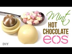 A Cute Winter EOS Lip Balm - Easy 5 minute crafts to do when your bored Eos Lip Balm, Homemade Lip Balm, Homemade Skin Care, Pinterest Design, Diy Nutella, Diy Xmas, Lipbalm, Starbucks, Eos Products