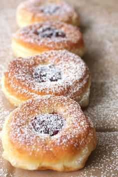 Dolce Fooda: Serbian Doughnuts with Jam (Krofne) Albanian Recipes, Bosnian Recipes, Croatian Recipes, Donuts, Beignets, Donut Recipes, Baking Recipes, Balkan Food, Gastronomia