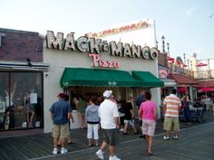Mac and Manco's Pizza, Jersey Shore