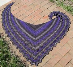 Evolution shawl - free pattern  Knitting guild is doing this one as a knit-a-long project :)
