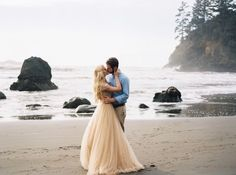 Magical+engagement+photos+in+the+California+Redwood+Forests+via+Magnolia+Rouge