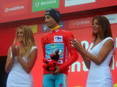 Fabio Aru (AST), La Vuelta 2015.  De rojo, un día  más