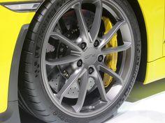 Particolare Porche Cayman GT4