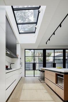 Roseberry Street House, Hawthorn East: A Double Fronted Victorian Terrace House with A Spacious, Light-Filled Modern Extension Kitchen Interior, Home Interior Design, Küchen Design, House Design, Victorian Terrace House, House Extension Design, Street House, House Extensions, Cuisines Design
