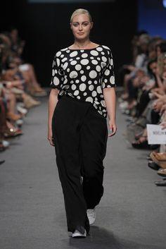 Elena Miró Prêt à Porter Primavera/Verano 2016 Curvy Girl Fashion, Plus Size Fashion, Womens Fashion, Cool Style, My Style, 2020 Fashion Trends, Curvy Outfits, Blouse Styles, Plus Size Women