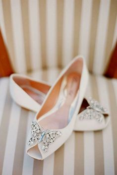 27 Flat Wedding Shoes For Lovers Of Comfort   Style. Bride FlatsWedding ... 1899b93447ef
