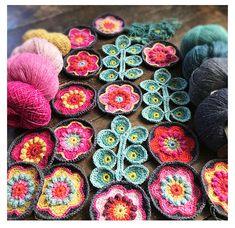 An online crochet course to help you through your Corona Days. Crochet Pillow, Crochet Granny, Crochet Blanket Patterns, Free Crochet, Crochet Blankets, Textile Courses, Rowan Felted Tweed, Beautiful Crochet, Crochet Designs