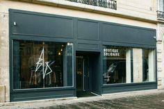 Façade de la friperie Bis boutique Top 5, Facade, Garage Doors, Outdoor Decor, Boutiques, Home Decor, Thrift Stores, Store, Fashion Styles