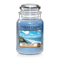 Bay Breeze ... A fresh ocean breeze meets the welcoming aroma of bright citrus, sweet jasmine and warm vanilla.