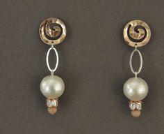 Boucles d'oreille Crystal perle de coton rose gold par UneDemiLune