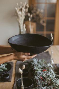Ceramic big rustic bowl table centerpiece, Handmade stoneware fruit or berry bowl, Mother Christmas Pottery Bowls, Ceramic Pottery, Ceramic Art, Slab Pottery, Thrown Pottery, Ceramic Fruit Bowl, Cerámica Ideas, Rustic Bowls, Black Bowl