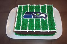 Seahawks cake - do cupcake pullapart with buttercream image transfer