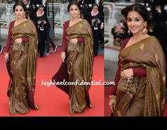 Vidya was back on the red carpet at Cannes 2013 for the screening of Inside Llewyn Davis wearing another Sabyasachi sari with a potli. The hair, instead of being a severe do, was a tad relaxed.