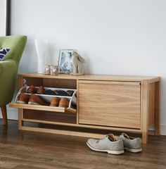 Oak finish shoe storage bench with 2 roll down drawers