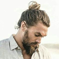 25 New Long Hairstyles For Guys and Boys Guide) Thick Man Bun + Long Beard – Long Hair Style Trends New Long Hairstyles, Man Bun Hairstyles, Famous Hairstyles, Popular Mens Hairstyles, American Hairstyles, Celebrity Hairstyles, Styles Courts, Growing Your Hair Out, Long Beards
