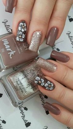 Bronze nails with flowers - Nail Designs! Cute Acrylic Nails, Cute Nails, Pretty Nails, Gel Nails, Nail Polish, Nail Nail, Fabulous Nails, Gorgeous Nails, Ongles Beiges