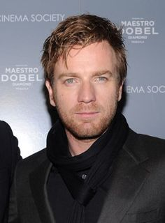 Ewan McGregor at event of The Ghost Writer