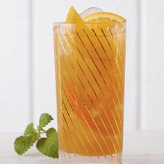 Lemonade Sweet Tea (3 cups water  2 family-size tea bags  1 cup loosely packed fresh mint leaves  1/2 cup sugar  4 cups cold water  1/2 (12-oz.) can frozen lemonade concentrate, thawed)