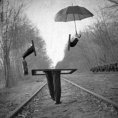 """""""Il ne faut pas dire """"Quel sale temps"""" mais """"C'est un beau jour de pluie""""."""" Eric-Emmanuel Schmitt (Odette Toulemonde et autres histoires)"""